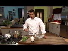 Comment blanchir les légumes_Apprenez cette technique employée par les chefs pour cuire partiellement les légumes, tout en conservant leur couleur. Idéal, par exemple, pour les bouquets de brocoli que l'on sert en amuse-gueule avec une bonne trempette.