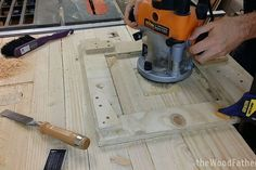 How to Make a Solid and Cheap Workbench - Woodworking Session Woodworking Shows, Woodworking Skills, Woodworking Workbench, Custom Woodworking, Fine Woodworking, Woodworking Projects Plans, Workbench Stool, Industrial Workbench, Folding Workbench