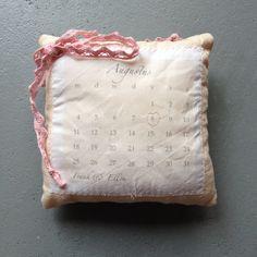 Ring pillow, calendar / Ringenkussen, kalender // VAN BRITT