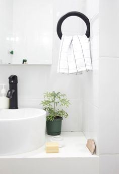 Via Ale Besso | Minimal Bathroom Design | HAY | Black and White
