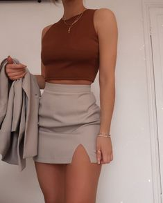 Grey mini skirt and burgundy top Cute Casual Outfits, Girly Outfits, Pretty Outfits, Stylish Outfits, Summer Outfits, Dress Casual, Night Outfits, Simple Outfits, Teen Fashion Outfits