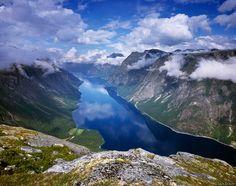 Eikesdalsvatnet, lake, Romsdal, Norway, photo