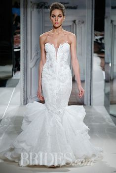 Style 4277, strapless sweetheart beaded and embroidered lace mermaid wedding dress, Pnina Tornai for Kleinfeld