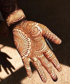 Beautiful and easy henna design Mehndi Designs Book, Indian Mehndi Designs, Mehndi Designs 2018, Mehndi Designs For Beginners, Modern Mehndi Designs, Mehndi Design Pictures, Mehndi Designs For Girls, Wedding Mehndi Designs, Henna Designs Easy