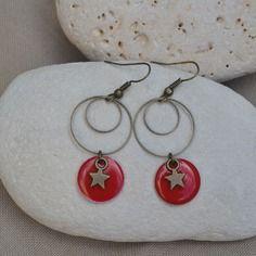 Boucles d'oreilles bronze avec sequin rouge et étoile