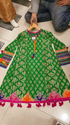 Stylish Dresses For Girls, Stylish Dress Designs, Designs For Dresses, Dresses Kids Girl, Cute Dresses, Baby Dresses, Pakistani Kids Dresses, Pakistani Dress Design, Pakistani Couture