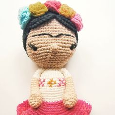 Little Frida #arttoy #amigurumi #buenosaires #cotton #crochet #characterdesign #diy #doll #designertoy #ganchillo #handmade #hechoamano #craft #job #japan #kids #lossospechosos #maker #makeraddictz #oneofakind #picoftheday #script #stopmotion #tejidosoloparami #uncinetto #workshop #zakka #frida