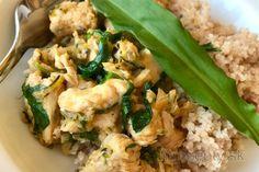 Fit tvarohovo-bryndzová nátierka s medvedím cesnakom Tasty, Yummy Food, Tofu, Risotto, Healthy Recipes, Healthy Food, Meals, Chicken, Cooking