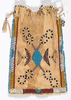 suchasensualdestroyer:    Apache (Arizona), Bag, beads/leather, c. 1900. Side A.