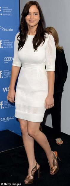 Style Guide CT: Jennifer Lawrence Is Dynamite in Dior