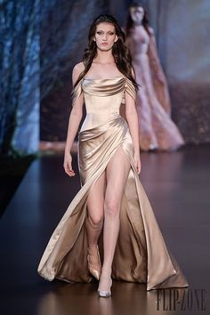 Ralph And Russo Fall/Winter Haute Couture Collection Haute Couture Style, Couture Mode, Couture Fashion, Runway Fashion, Fashion Week, Evening Dresses, Prom Dresses, Formal Dresses, High Fashion Dresses