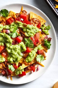 Our version of this bar food favorite has half the sat fat, less sodium, and double the fiber compared to the classic. Mexican Chorizo, Crunchy Chickpeas, Homemade Chips, Quick Appetizers, Tailgating Recipes, Football Food, Game Day Food, Cooking Light, Essen