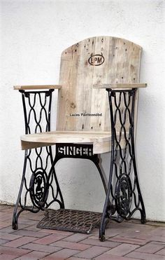 DIY Ideas for Pallet Furniture Projects and Plans. on Wood Pallet Furniture… Repurposed Furniture, Pallet Furniture, Furniture Projects, Furniture Makeover, Wood Projects, Painted Furniture, Woodworking Projects, Street Furniture, Refurbished Furniture