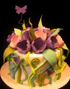 Floral birthday cake  /  This is so so nice