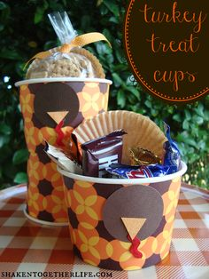 Turkey Treat Cups - fill with pre-dinner snacks or send guests home with a sweet treat!