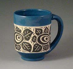 Blue Flower Mug with Black and White Sgraffito by cinderelish, $35.00 Pottery Mugs, Pottery Art, Painted Pottery, Pottery Ideas, Clay Classes, Sgraffito, Pottery Painting, Ceramic Cups, Mug Shots