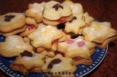 Pieruńskie maszkety - blog kulinarny: Takie wesołe ciasteczka z nadzieniem i lukrową pol...