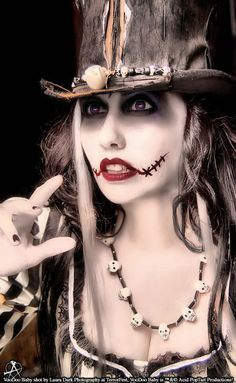 Gallery For > Voodoo Priestess Halloween Costume Costume Halloween, Halloween Chic, Voodoo Costume, Holidays Halloween, Halloween Decorations, Halloween Party, Halloween Face Makeup, Voodoo Halloween, Halloween Stuff