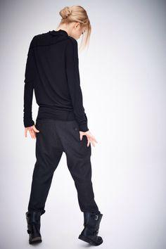 Chemisier minimaliste à manches longues / Top Top / noir femmes / décontracté haut / asymétrique Top par AryaSense / TPPD14BL par AryaSense sur Etsy https://www.etsy.com/ca-fr/listing/210491866/chemisier-minimaliste-a-manches-longues