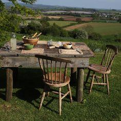Alfresco dining - Devon scene