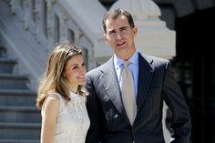 Felipe y Letizia son el centro del primer escándalo de su joven reinado por la difusión de unos incómodos mensajes de celular