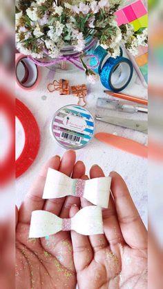 Diy Flowers, Flower Diy, Diy Bow, Cute Bows, Diy Paper, Easter Crafts, Diy And Crafts, Paper Scraps, Glitter