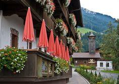 PRETTY. Flower Village