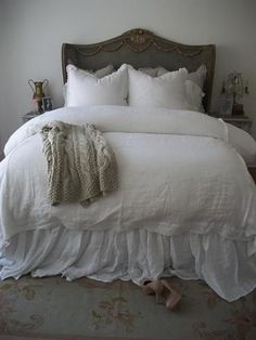 "Gathered Linen Bed Ruffles   100% linen  22"" drop"