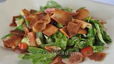 Fattoush is a delicious Middle Eastern salad that is bursting with flavor! #Fattoush #Salad