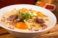 indo hot asli at DuckDuckGo Asian Recipes, Healthy Recipes, Ethnic Recipes, Soto Betawi, Indonesian Cuisine, Indonesian Recipes, Hot Soup, Food Plating, Pot Roast