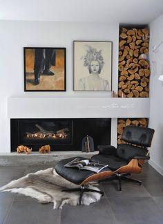 КРЕСЛО И ПУФ «EAMES LOUNGE»  Дизайнер: Charles & Ray Eames Производитель: Herman Miller / Vitra     Основой для знаменитого Eames Lounge, созданного в 1956 г., послужило традиционное английское клубное кресло. Чтобы разработать это удобное кресло из высококачественных материалов, американским дизайнерам, супругам Чарльзу и Рэй Имз, понадобилось несколько лет.