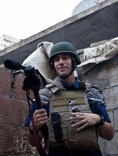 米国人ジャーナリスト、ジェームズ・フォーリー氏=2012年11月、シリア北部アレッポ(AFP=時事) ▼21Aug2014時事通信|処刑映像は本物=大統領、声明発表へ-米政府 http://www.jiji.com/jc/zc?k=201408/2014082100016 #James_Foley