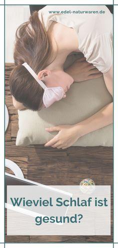 Lange geschlafen und trotzdem wie gerädert aufgewacht? Was ist denn nun eigentlich die optimale Stundenzahl für gute Schlafqualität.? Die Empfehlungen orientieren sich hauptsächlich am Alter. So müssen Kinder und Jugendliche logischerweise mehr schlafen, da sich ihre Körper noch im Wachstum befinden. Erwachsene kommen dagegen mit rund 7 Stunden Schlaf in der Nacht aus, weniger als 5 sollten es aber auf keinen Fall sein! Mehr Tipps rund um guten Schlaf findest du hier. #edel-naturwaren.de Yoga Pilates, Sport Fitness, Alter, Young Adults, Sleep Problems, Sleep Better, Beauty Routines