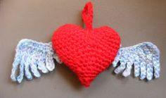 Flying Heart  Amigurumi ~ Free Pattern