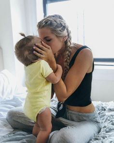 Relationship Quotes - 14 Photos That Prove The Major Difference Hair Extensions Make+ Cute Family, Baby Family, Family Goals, Cute Kids, Cute Babies, Foto Baby, Future Mom, Future Goals, Poses