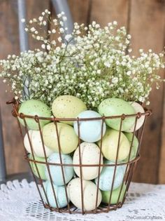 Best Easter Flowers and Centerpieces - Floral Arrangements for Your Easter Table Easter party These Easy Easter Flower Arrangements Will Make You Look Like a Pro Easter Flower Arrangements, Easter Flowers, Easter Tree, Easter Colors, Easter Wreaths, Easter Eggs, Floral Arrangements, Easter Bunny, Easter Food