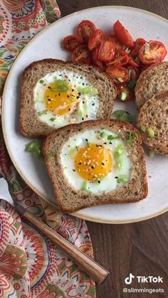 Lose Fat - The Basics of Body Recomposition: How to Lose Fat Gain Muscle at the Same Time - Hello HealthyHello Healthy - Do this simple 2 -minute ritual to lose 1 pound of belly fat every 72 hours Healthy Recipes, Healthy Snacks, Healthy Eating, Healthy Fats, Healthy Food Plate, Healthy Food Tumblr, Healthy Menu, Healthy Soup, Quick Recipes