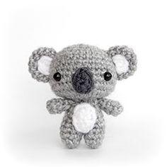 crochet diy Cutie Bears amigurumi crochet pattern by AmiAmore Crochet Diy, Crochet Kawaii, Crochet Patterns Amigurumi, Amigurumi Doll, Crochet Crafts, Crochet Dolls, Crochet Projects, Crochet Bear Patterns, Crochet Animals