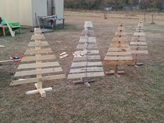 Christmas tree from old pallets