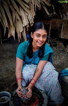 Ammu Abhirami  shooting spot  asuran  dhanush jodi Asuran Movie Actress Ammu Abirami Latest HD Photo Collections All Indian Actress, Indian Actress Gallery, Indian Actresses, Actors & Actresses, Beautiful Girl In India, Beautiful Girl Image, Girl Number For Friendship, Tamil Girls, Saree Look
