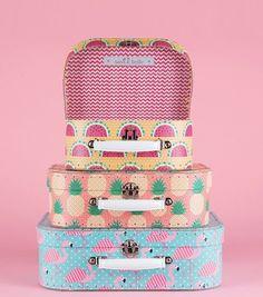 Achetez le set de 3 valises tropicales sur lavantgardiste et partez à l'aventure.