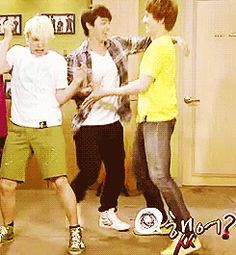 dancing donghae kyuhyun suju sungmin #gif from #giphy