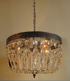 love this vintage chandelier