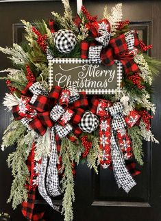 Christmas Trimmings, Christmas Wreaths For Front Door, Plaid Christmas, All Things Christmas, White Christmas, Xmas, Wreath Crafts, Wreath Ideas, Christmas Inspiration