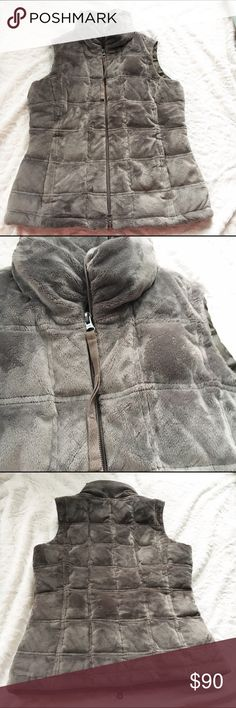"""ATHLETA Puffer Vest Great condition. Chest 17"""" Length 22"""" (from zipper) Athleta Jackets & Coats Vests"""
