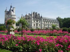 Um roteiro de 3 ou 4 dias pela região do Vale do Rio Loire com dicas de passeios pelos principais castelos http://www.trilhasecantos.com.br/2017/05/vale-do-loire-franca-roteiro-de-3-ou-4.html