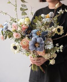 Beautiful flowers and some wonderful ideas for your wedding bouquet. Floral Wedding, Wedding Bouquets, Wedding Flowers, My Flower, Beautiful Flowers, Flower Power, Decoration Plante, Flower Studio, Flower Aesthetic