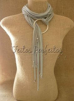 Simple and easy idea for a T shirt yarn or fabric trim necklace. Scarf Necklace, Fabric Necklace, Scarf Jewelry, Textile Jewelry, Fabric Jewelry, Diy Necklace, Necklaces, Jewellery, Tribal Necklace