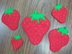 Strawberry Felt Board with rhyme for picnic or fruit theme