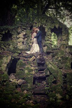 Morgan and Ellis Creative Wedding Photographers, portfolio of images. http://www.morganandellis.co.uk